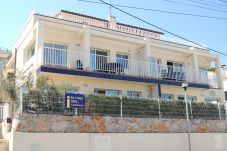 Apartment in Llança at 50 m from the beach