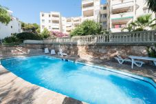 Apartment with 3 bedrooms at 900 m from the beach